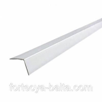 Угол пластиковой ПВХ 20*20 2,7м