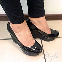 Женские туфли лодочки на танкетке лаковые оптом и в розницу