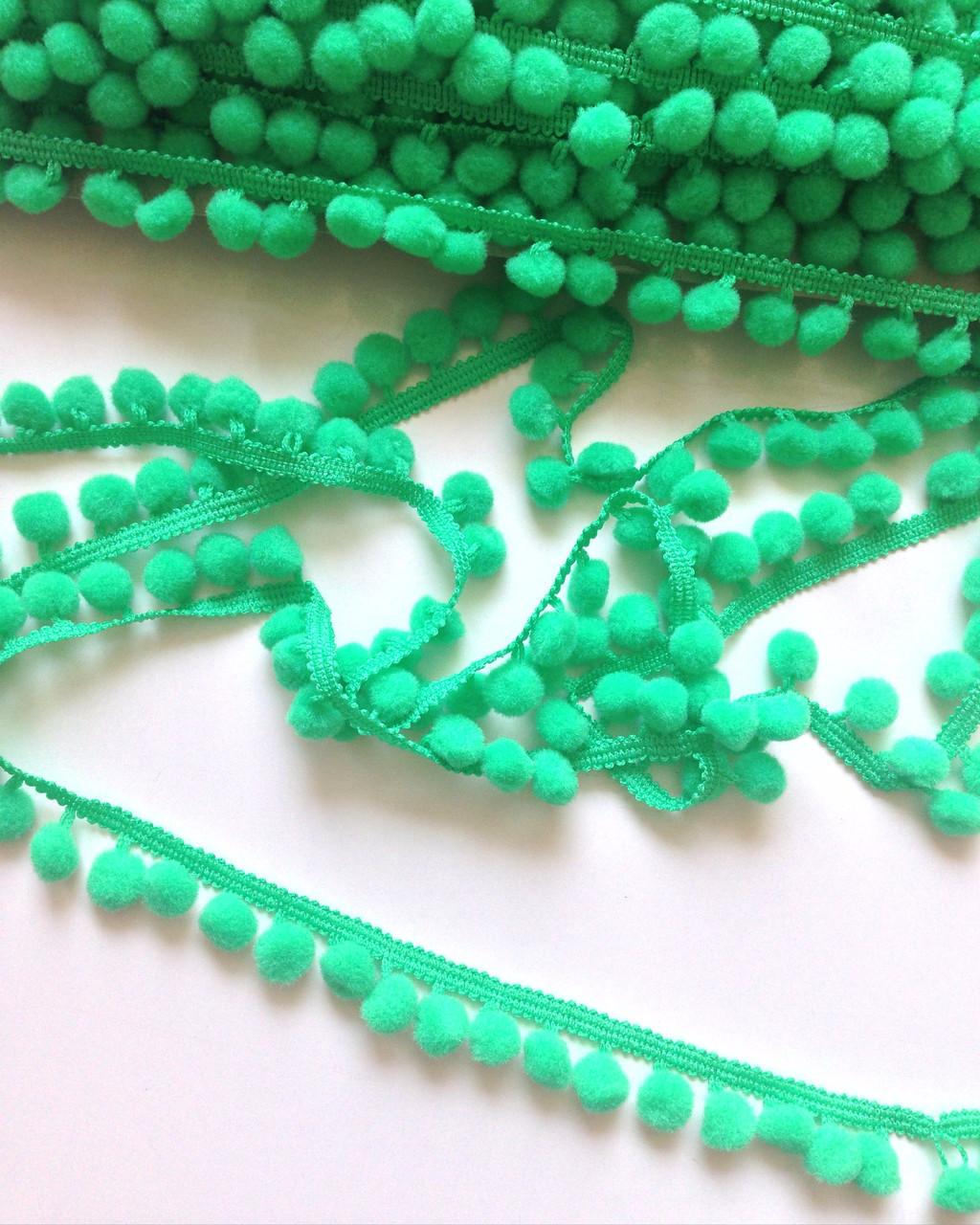 Тесьма с помпонами зеленая 10мм