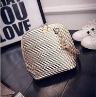 Маленькая женская сумка с рифлением золотистая