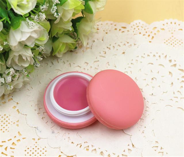 Бальзам для губ клубничный макарун Macaron Lip Balm Strawberry