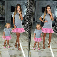 Комплект одинаковых платьев для мамы и дочки из трикотажа и фатина