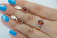 Комплект из серебра - кольцо и серьги - с золотом и янтарем
