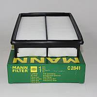 Воздушный фильтр на Mazda 3 двиг. 2.0 и 2.3 (пр-во Mann Filter)