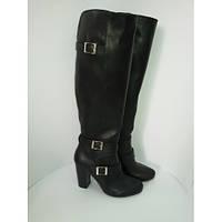 Женские кожаные сапоги в черной коже