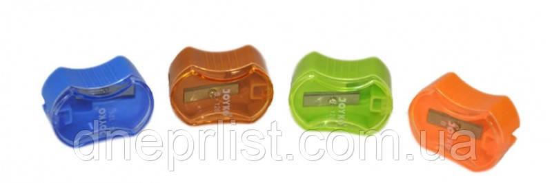 Точилка пластиковая на 1 отверстие с крышкой