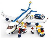 Конструктор Авиация М38-В0366, 493 детали, 7 мини-фигурок, открывающийся салон, спецтранспорт