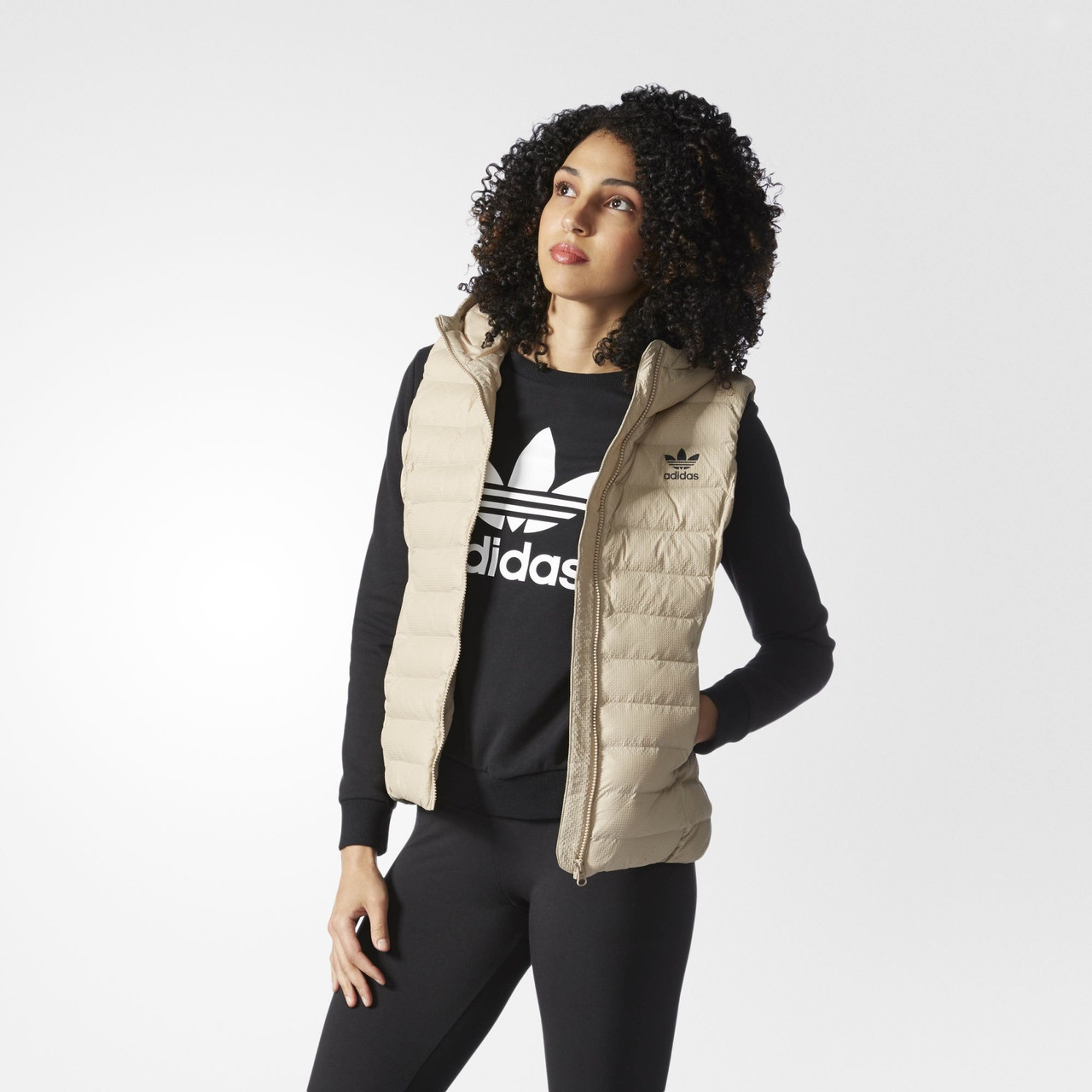 Женский жилет Adidas Originals (Артикул  AZ0852) - Интернет-магазин  «Эксперт» d29f6d45bca61