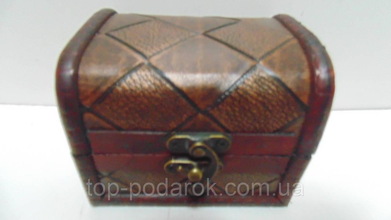 Сундучок деревянный размер 11*9*9