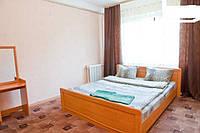 Аренда посуточной  квартиры 2-х комнатную метро Лукьяновка.