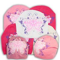 Вязаная шапочка с бабочкой для девочки