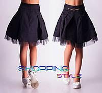 Модная черная юбка с фатиновой оборкой