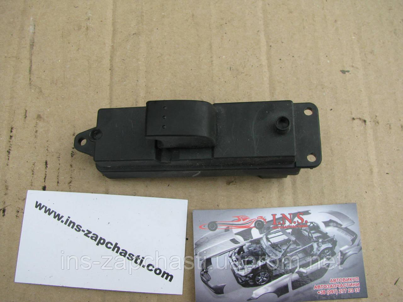 Выключатель стеклоподъемника 03123100 Mazda 3