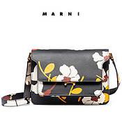 Marni представила свою новую осенне-зимнюю коллекцию в сдержанных цветочных тонах