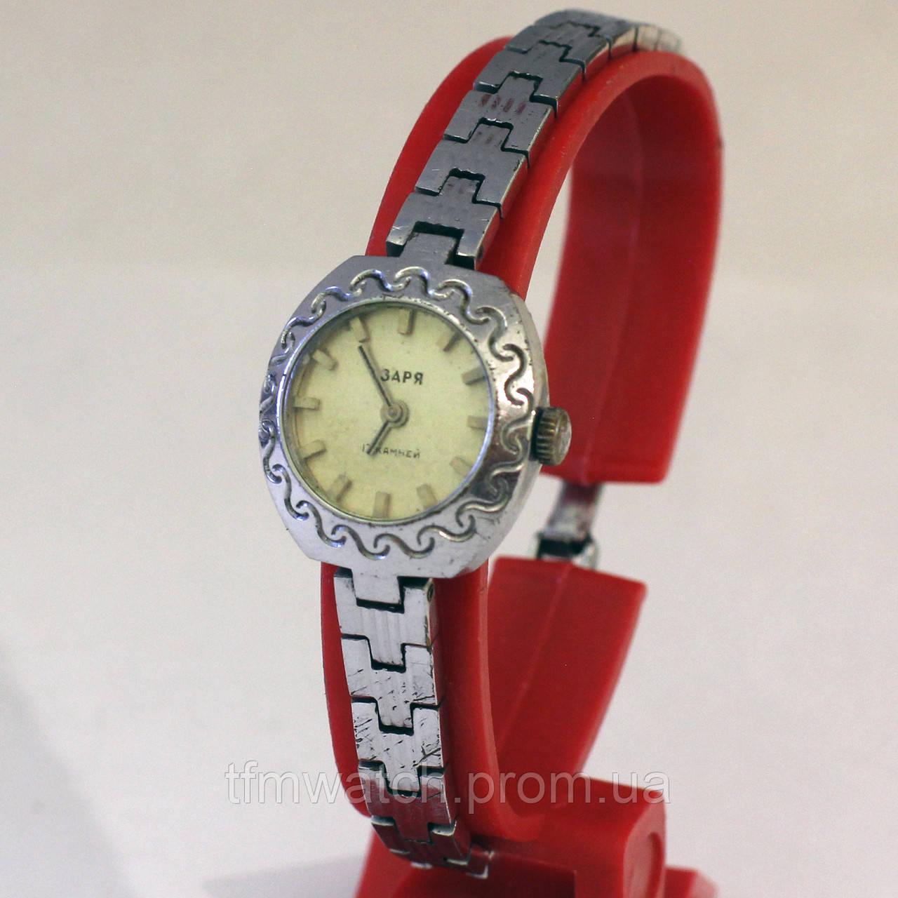 Часы Заря женские