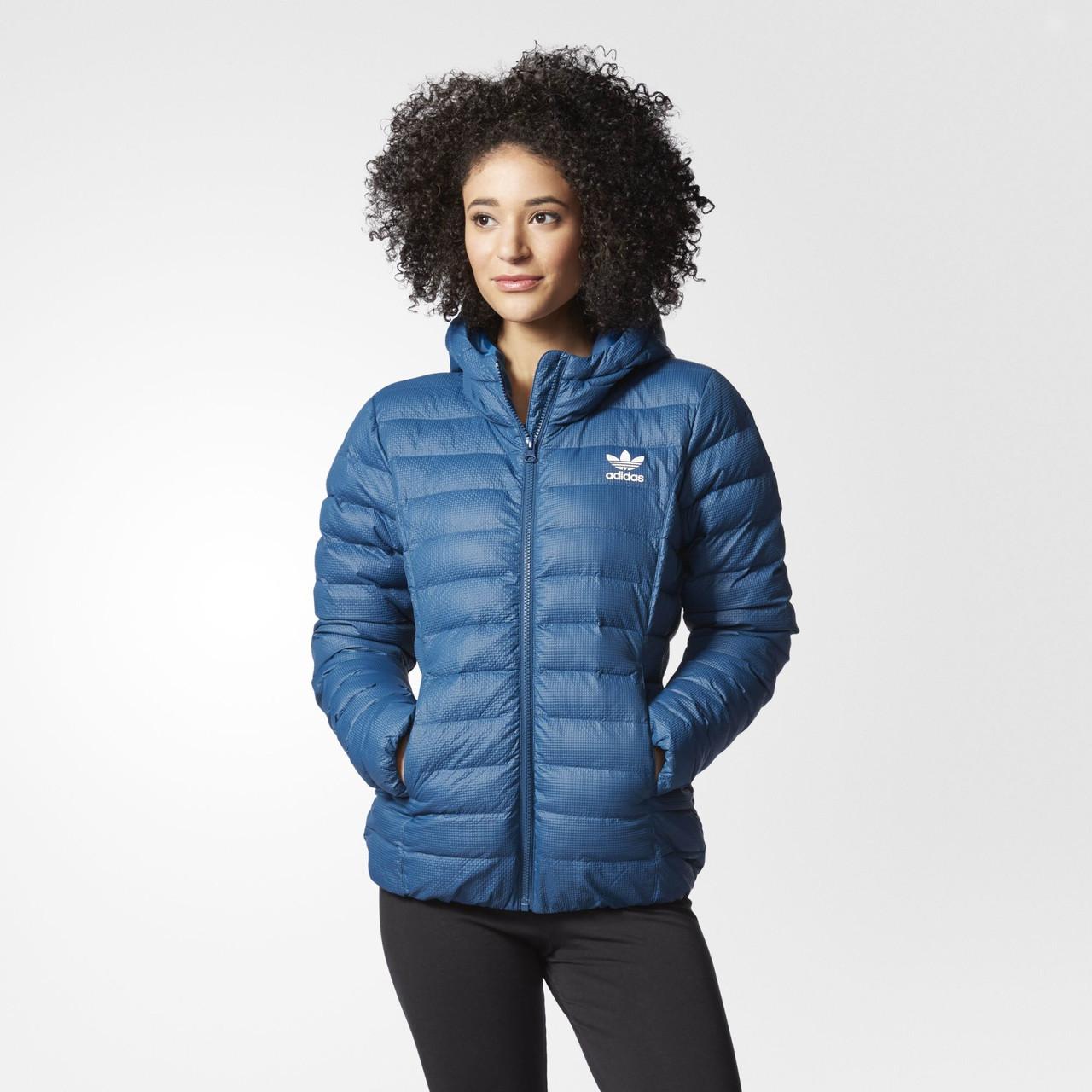ab46706a5f9b Женская куртка Adidas Originals Slim (Артикул  AY4788) - Интернет-магазин  «Эксперт