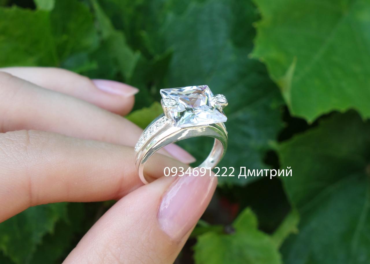 фото кольцо с квадратным камнем