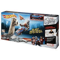 Трек Хот Вилс Мстители Железный человек и Капитан Америка Hot Wheels Marvel Avengers Flight Strike Track Set