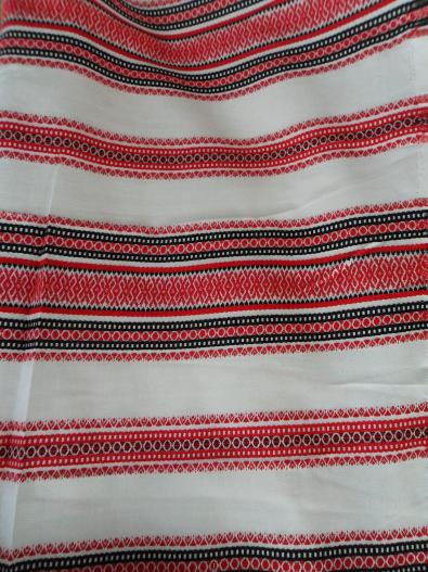 Льняное полотно с вышивкой
