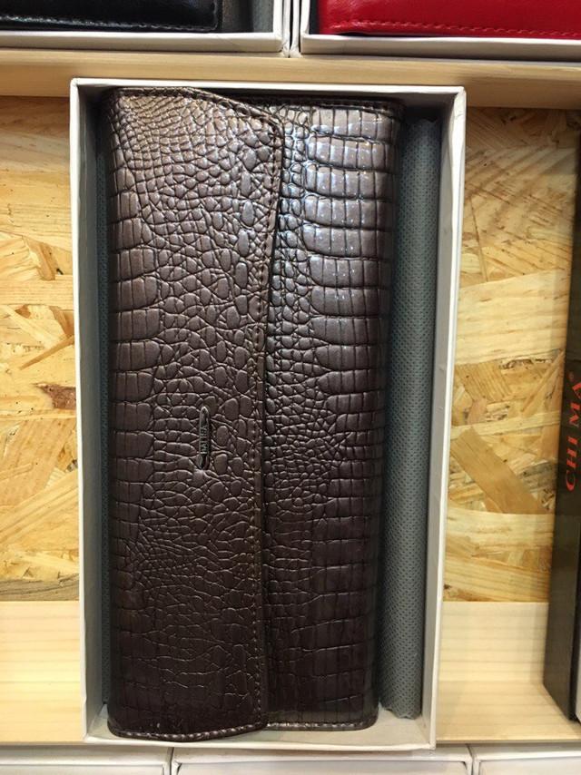 Женский кожаный кошелек