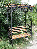 Садовая скамейка - пергола с кованым декором