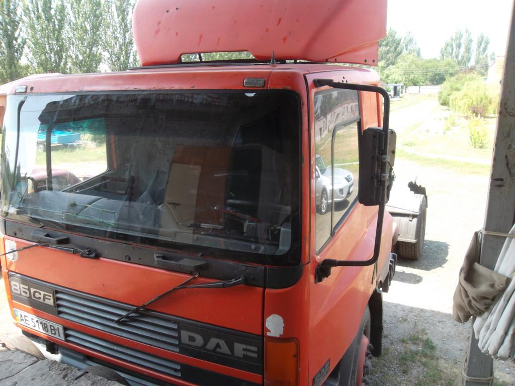 Замена лобового стекла на грузовике DAF CF 85