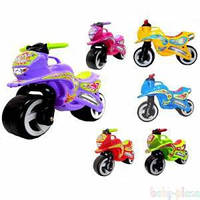 Детские мотоциклы на металлической оси.