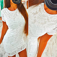 Короткое женское кружевное платье