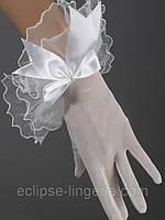 Прозрачные короткие перчатки белого цвета