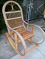 Кресло качалка серая из ротанга
