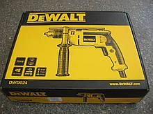 Дрель ударная DeWALT 700 Вт, 0-2800 об/мин, 47600 уд/мин DWD024 АКЦИЯ!!!