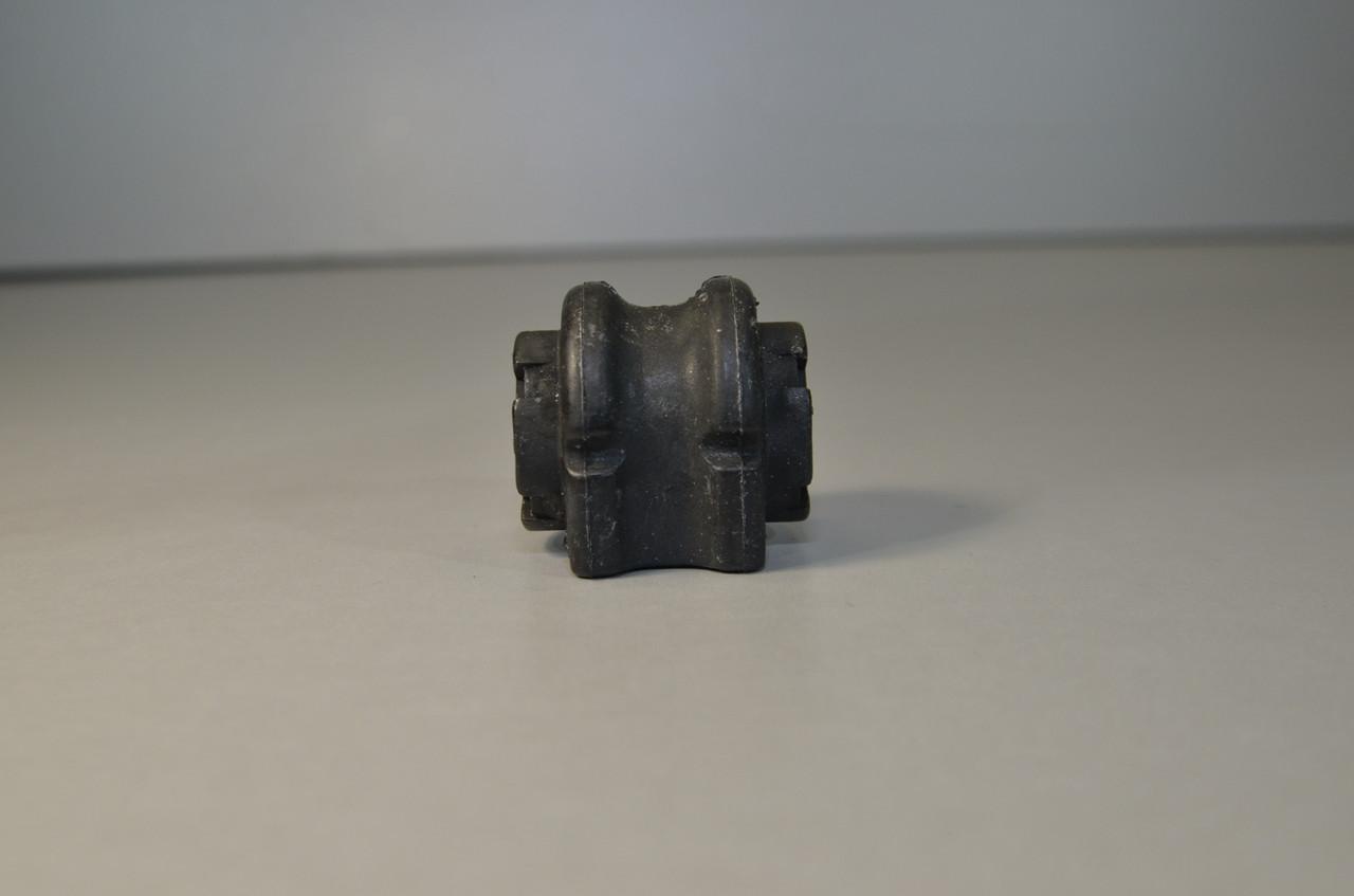 Втулка стабилизатора переднего на Renault Kangoo II 2008-> — Hutchinson - 590210