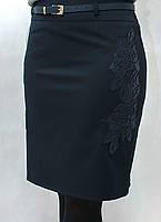 Красивая деловая женская юбка со вставками эко-кожи