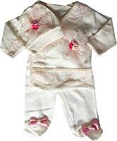 Костюм для новорожденных, на девочку 0-3 м, белый с розовыми кружевами. Ползунки, кофточка с запахом, шапочка