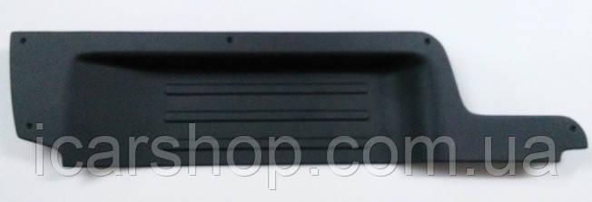 Накладка на порог Renault Trafic 01- под сдвижную левую дверь
