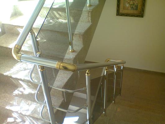 Алюминиевые перила на лестницу