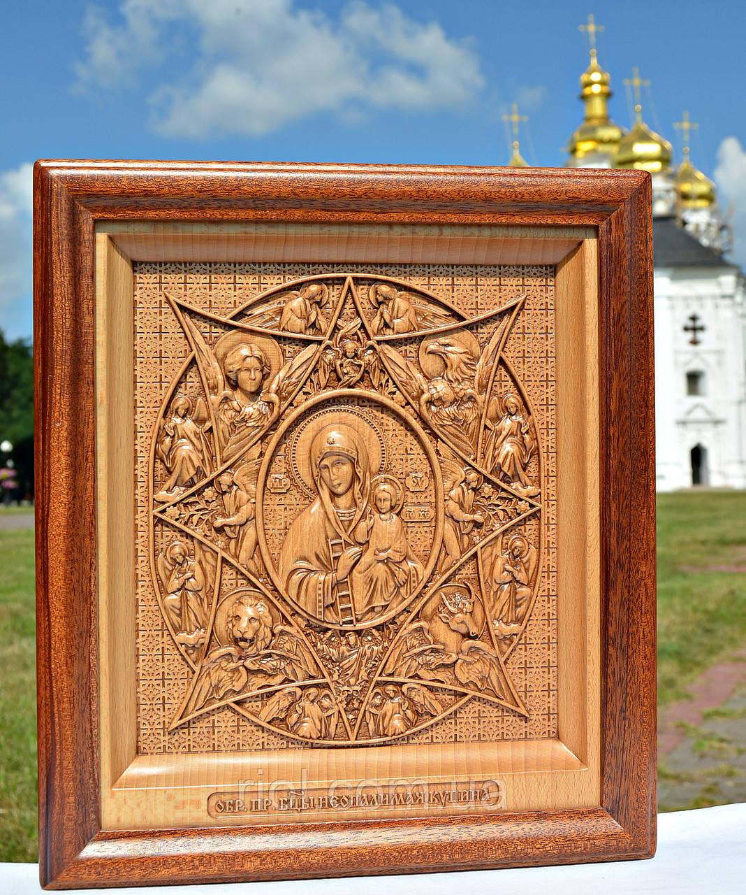 Резная деревянная икона Божией Матери «Неопалимая Купина»