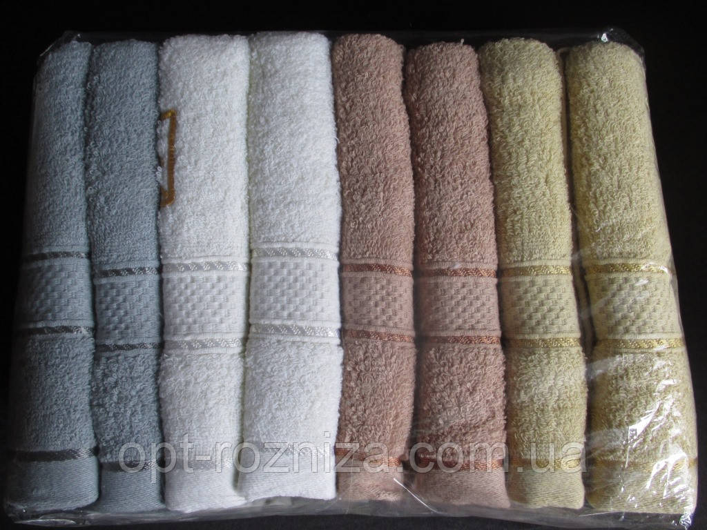 Набор махровых полотенец для лица.