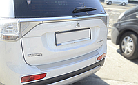 Накладка на бампер с загибом Mitsubishi Outlander III 2013-