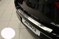 Накладка на бампер с загибом Toyota AurisII 2013-