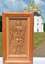 Різьблена дерев'яна ікона Архангела Михаїла