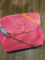 Женская кожаная сумка в крокодиле коралловая