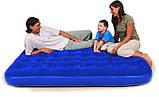 Надувной матрас с ручным насосом и двумя подушками Bestway 203х152х22 см (67374), фото 2