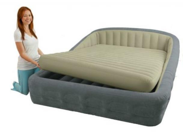 Надувная кровать Intex  со встроенным электронасосом 241х193х76 см (67972)
