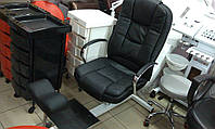 Кресло Ричард на стеллаже