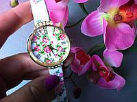 Часы женские белые в цветок