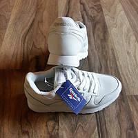 Женские кроссовки  Reebok classiс / Рибок классик код 110 40 размер