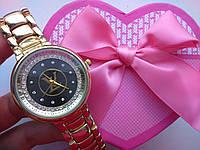 Женские часы Louis Vuitton под золото