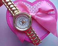 Часы Louis Vuitton с мраморным циферблатом