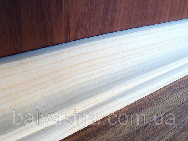 Плинтус деревянный 60 мм